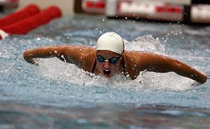 Sarah Stockwell swims in the women's 100-yard breaststroke on Oct. 7.